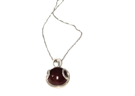 Sterling silver pendant with agate carnelian