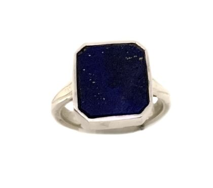 Silver ring in lapislazuli